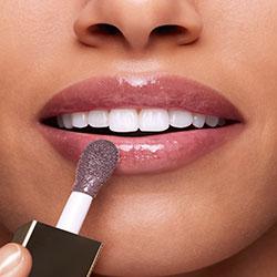 White Lip Comfort Oil result on lips